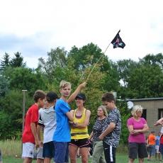 Mit Piratenflagge